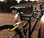 Как надёжно пристегнуть велосипед